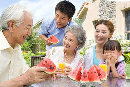萬康引領健康:夏天吃西瓜的三種惡習