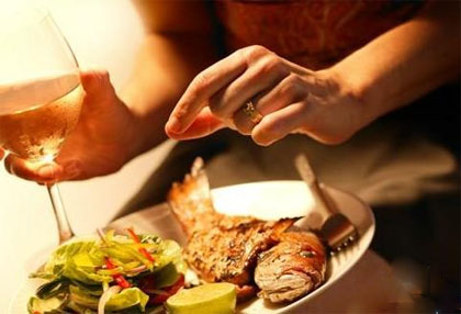 食堂承包:葡萄酒做菜不能相互搭配的食材